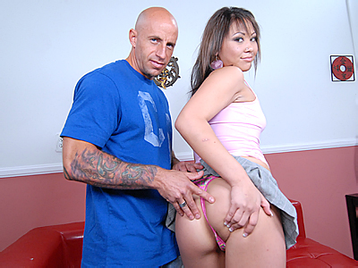 Kandace - Mr Chews Asian Beaver